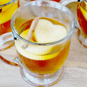 Spiked-Apple-Cider-Featured