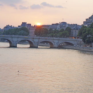 Paris-Holiday-Featured